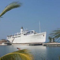 MV Doulos Phos Hotel Kapal Tertua Di Bintan